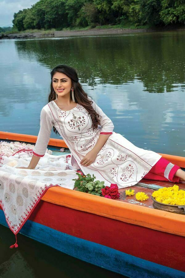 white kurti with dupatta